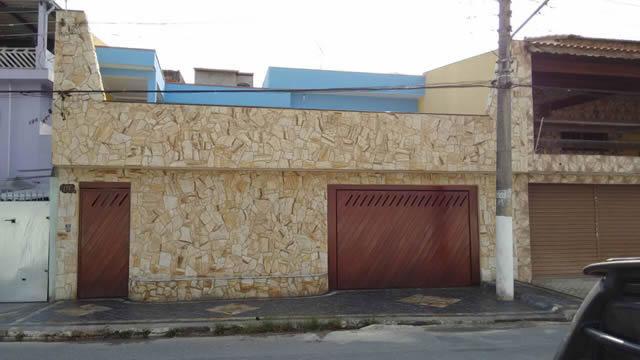 revestimento-com-pedra-madeira